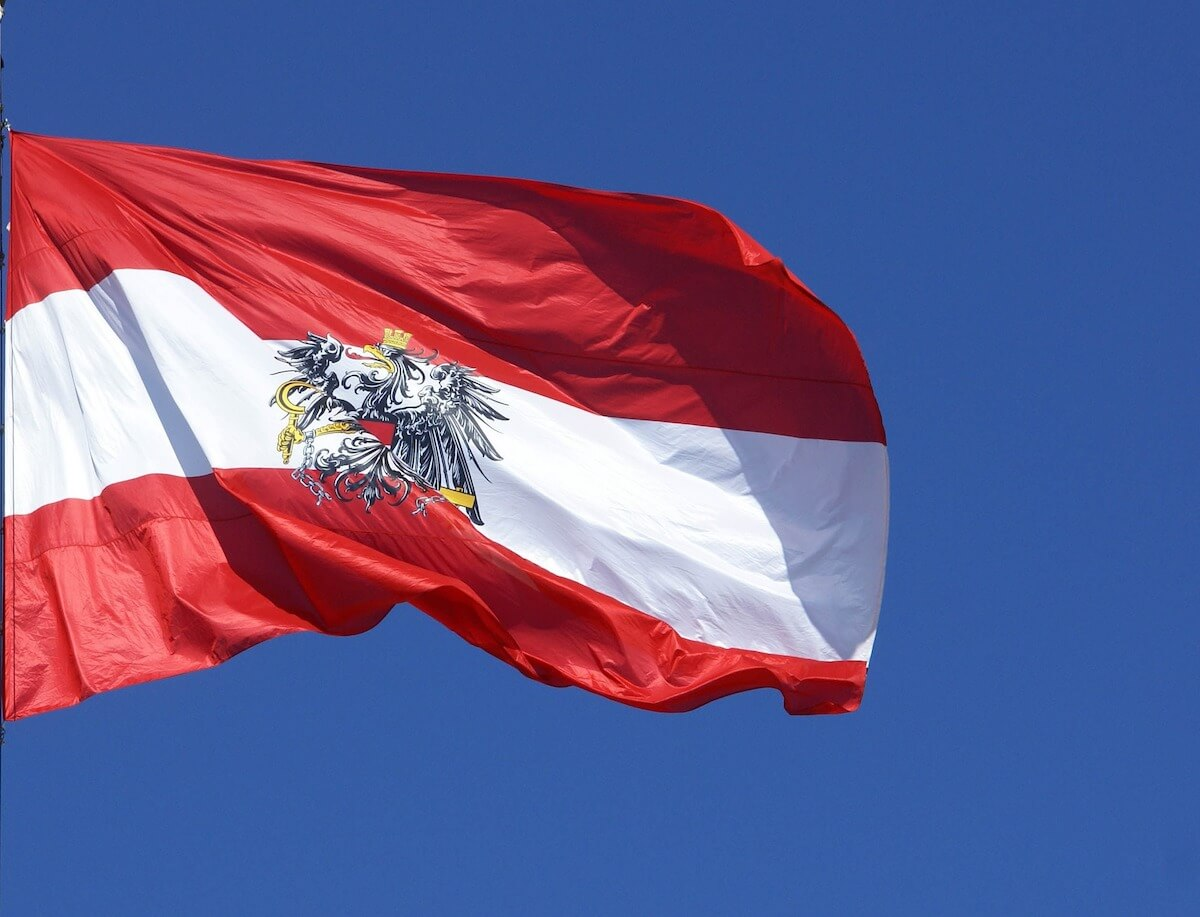 Flagge Österreich ©pixabay.com - https://pixabay.com/en/austria-the-flag-of-the-pledge-1067521/