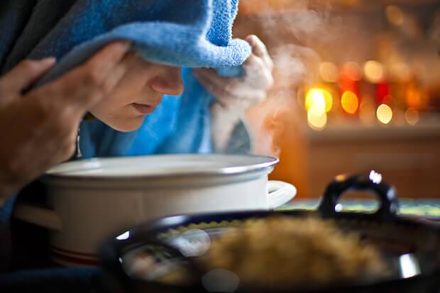 Inhalieren bei Erkältungen ©shutterstock.com/napocska