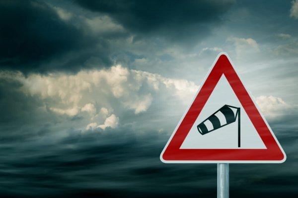 Symbolbild für eine Sturmwarnung. © Olaf Naami; shutterstock.com
