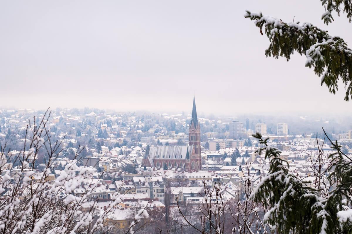 Graz im Schnee. @shutterstock.com/photoflorenzo