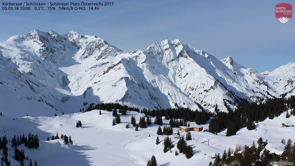 Tief verschneit präsentiert sich die Region rund um den Arlberg derzeit © https://www.foto-webcam.eu/webcam/koerbersee/