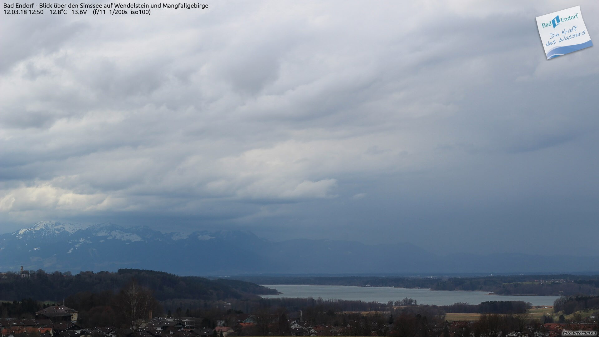 Gewitter am Alpenrand. © foto-webcam.eu