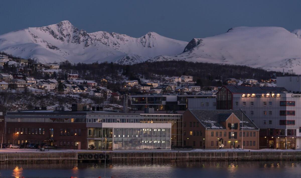 Tromso im Schnee ©pixabay/Mariamichelle