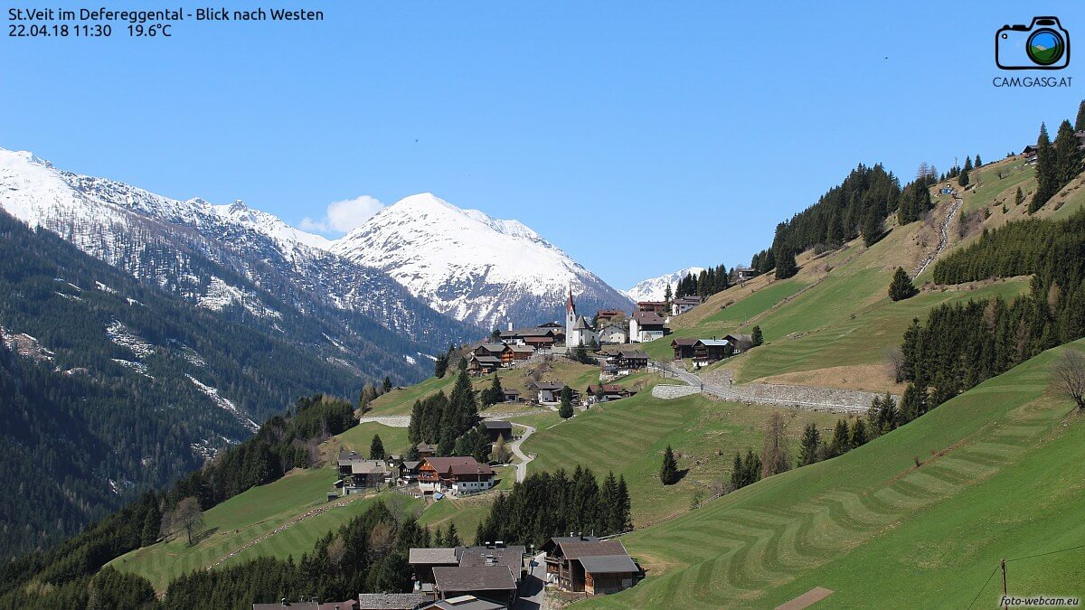 Frühsommerlich selbst in den Hochtälern der Alpen © https://www.foto-webcam.eu/webcam/stveit/