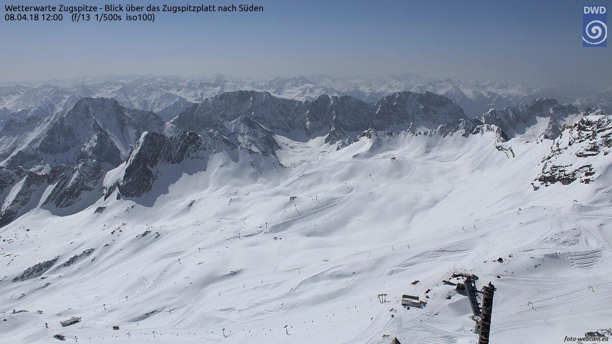 Zugspitze am Sonntag um 12 Uhr. © foto-webcam.eu