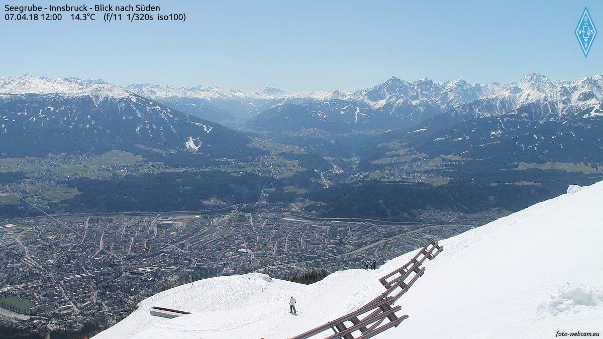 Innsbruck am Samstag um 12 Uhr. © foto-webcam.eu