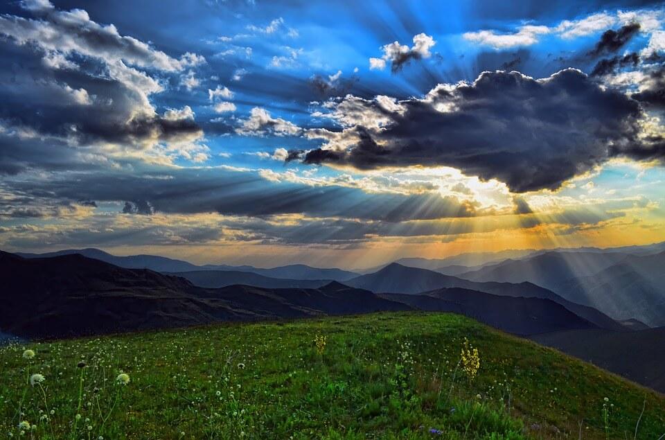 https://pixabay.com/en/turkey-nature-landscape-ka%C3%A7kars-3048299/