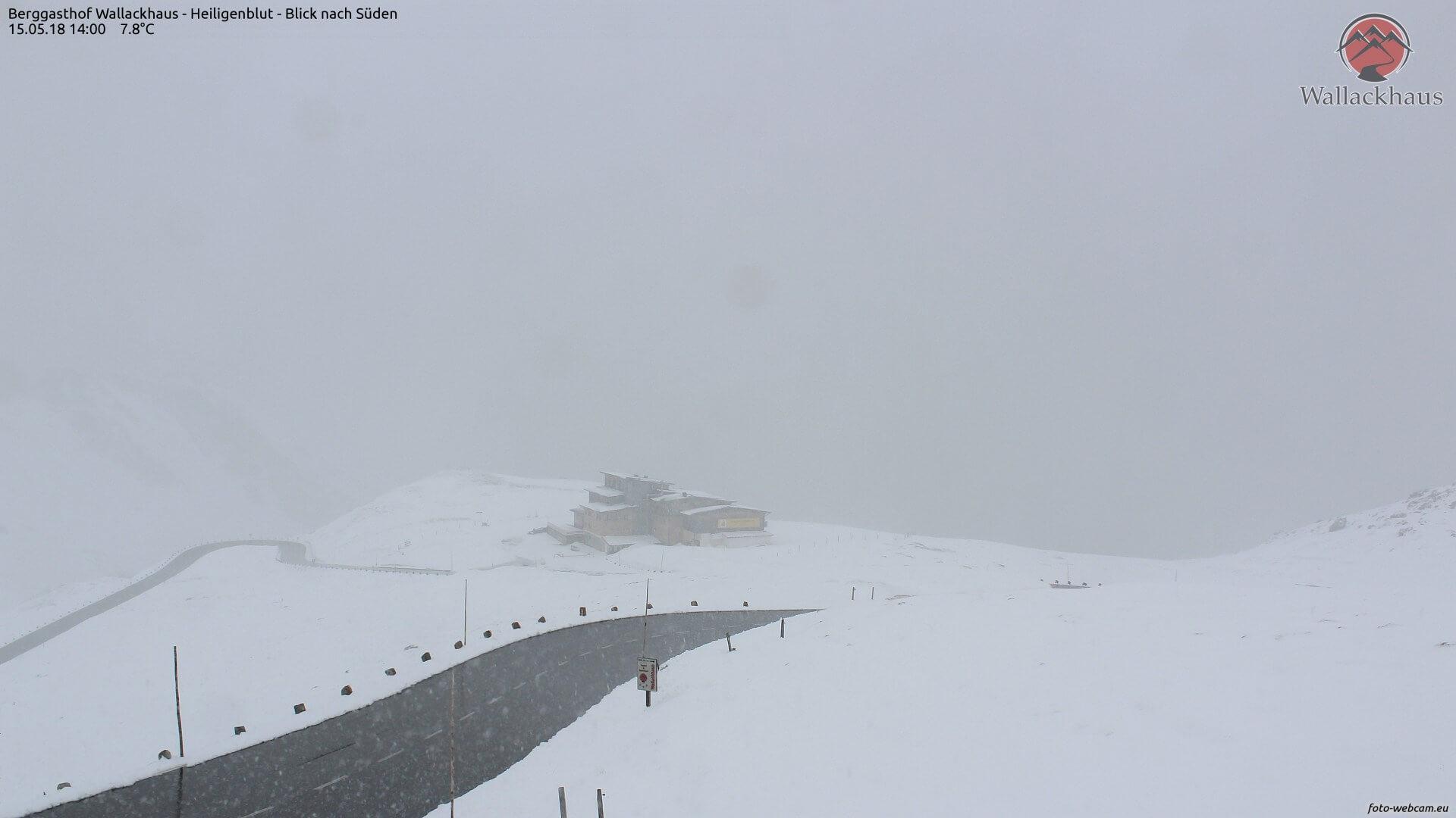Schneefall in etwa 2.300 m Höhe. © www.foto-webcam.eu