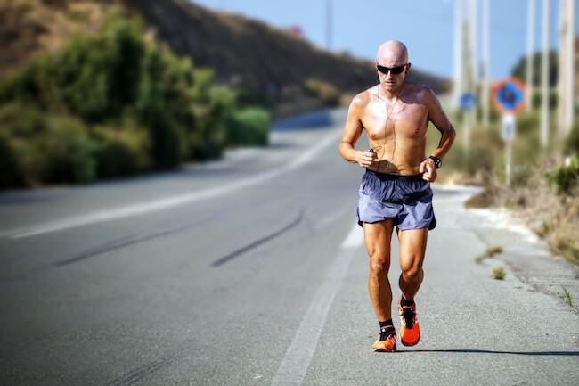Die meisten Läufer und Läuferinnen hoffen auf niedrige Temperaturen. 4 bis 11 Grad Celsius sind ideal für gutes Laufwetter. @unsplash