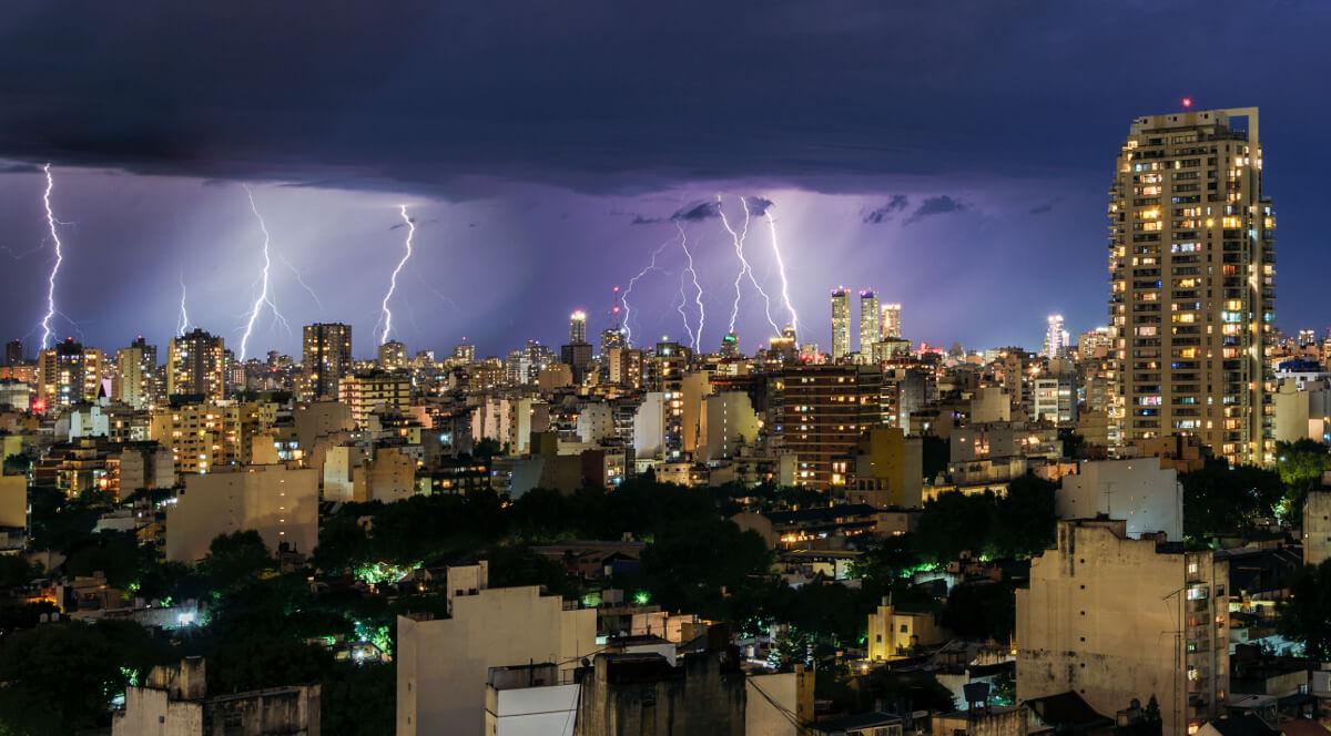 Nachtgewitter über Buenos Aires ©shutterstock