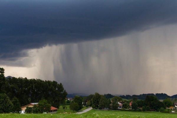 Gewitter mit Überflutungsgefahr