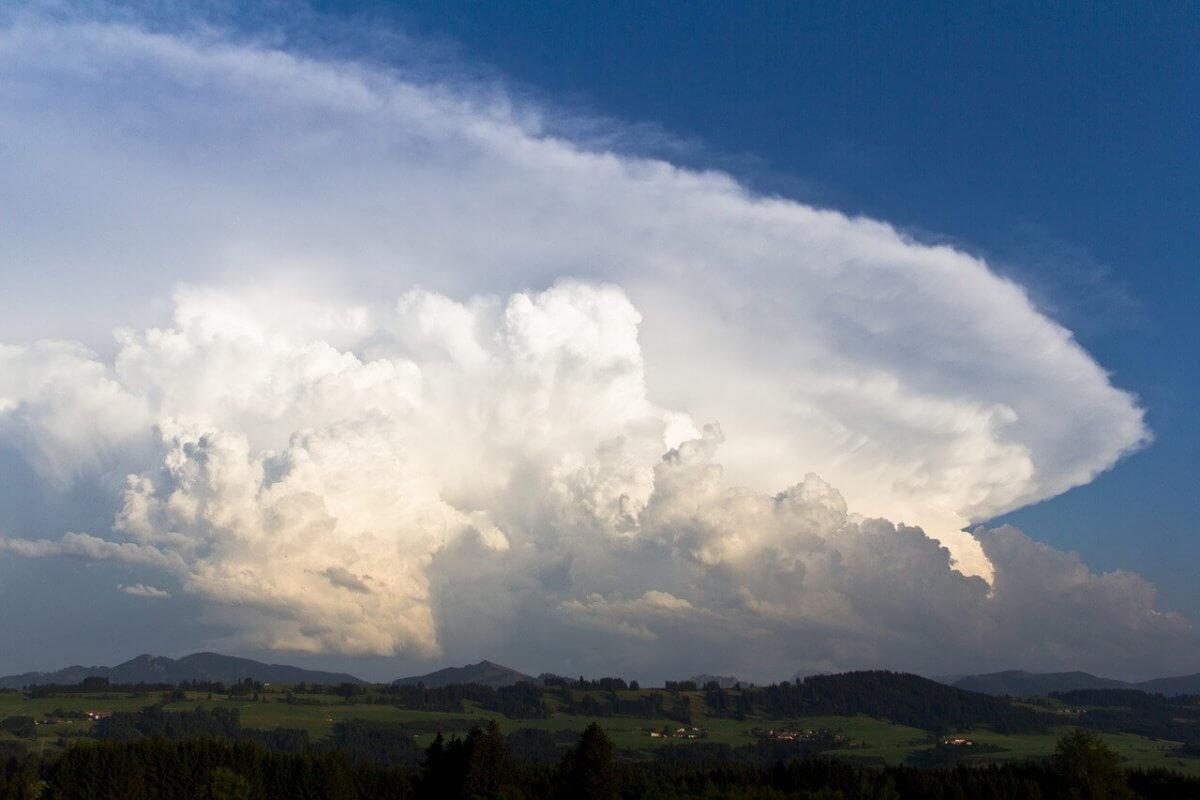 Die Quellwolke eines Gewitters.