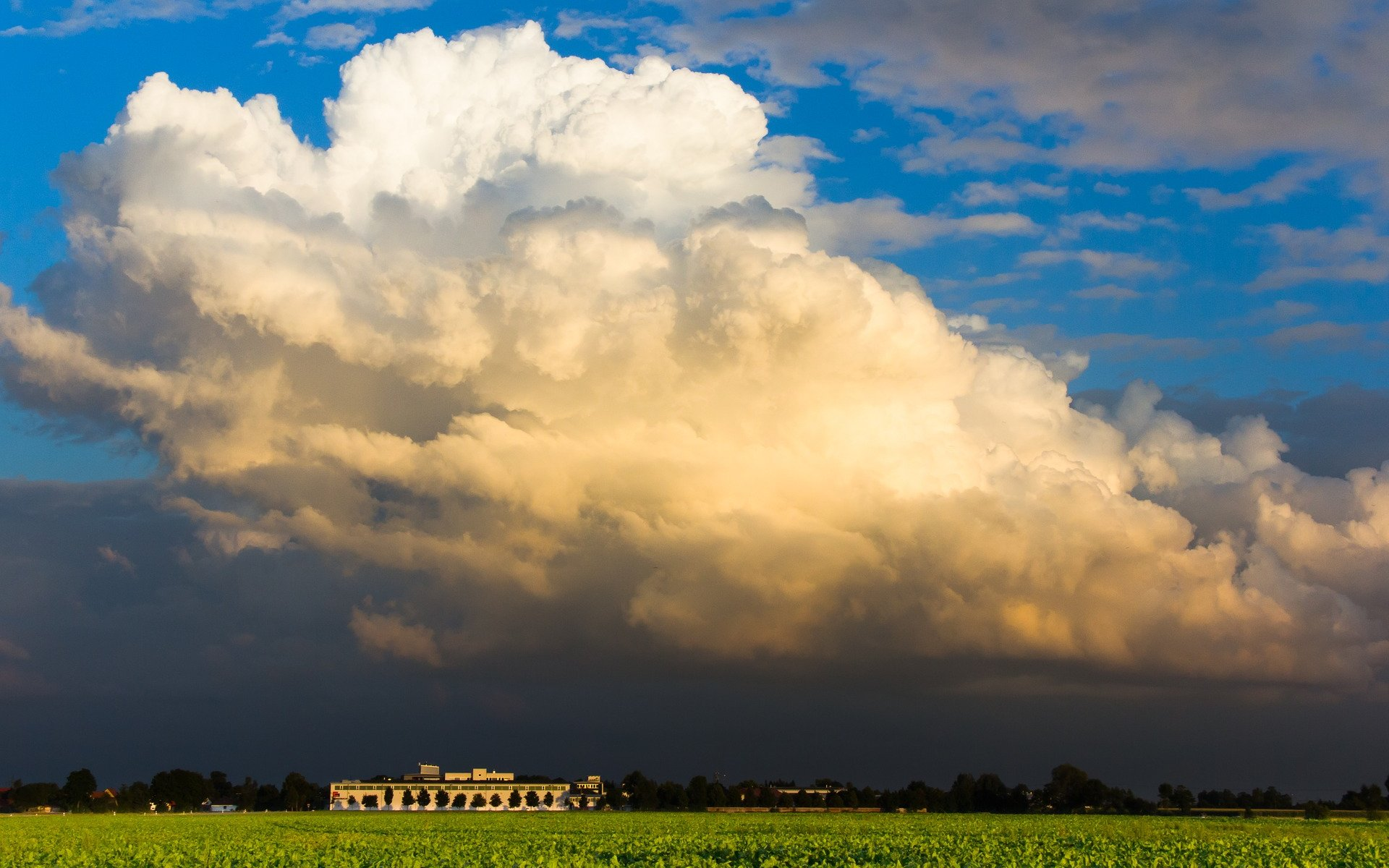 Cumuluswolke über dem Flachland. © pixabay.com