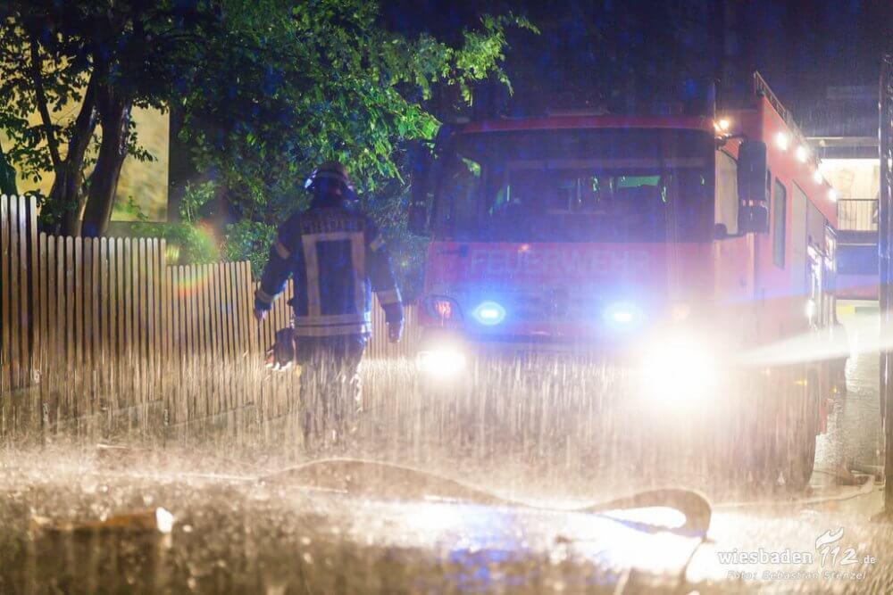 Starkegen sorgt für steigende Überflutungsgefahr. ©Photo credit: Wiesbaden112.de on Visualhunt.com / CC BY-NC-ND
