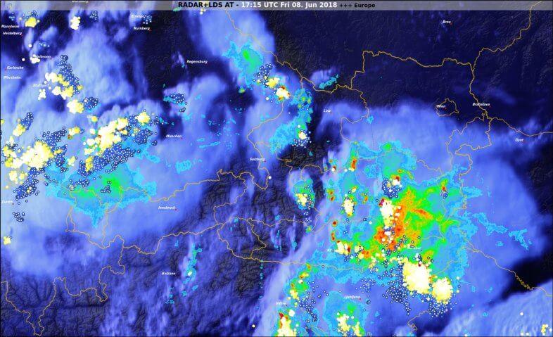 Radar- Blitz- und Satellitendaten um 19:15 Uhr - © UBIMET, EUMETSAT, nowcast, Austrocontrol