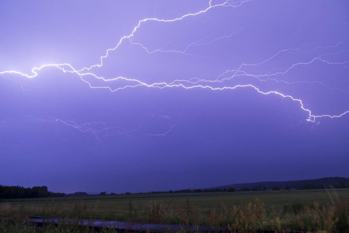 Heftiges Gewitter am Nachthimmel © UBIMET / Stormhunters Austria