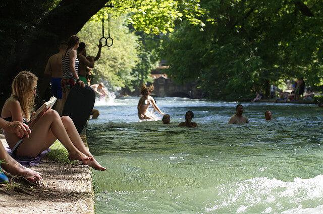 Das Sommerwetter erfreut die Wasserratten