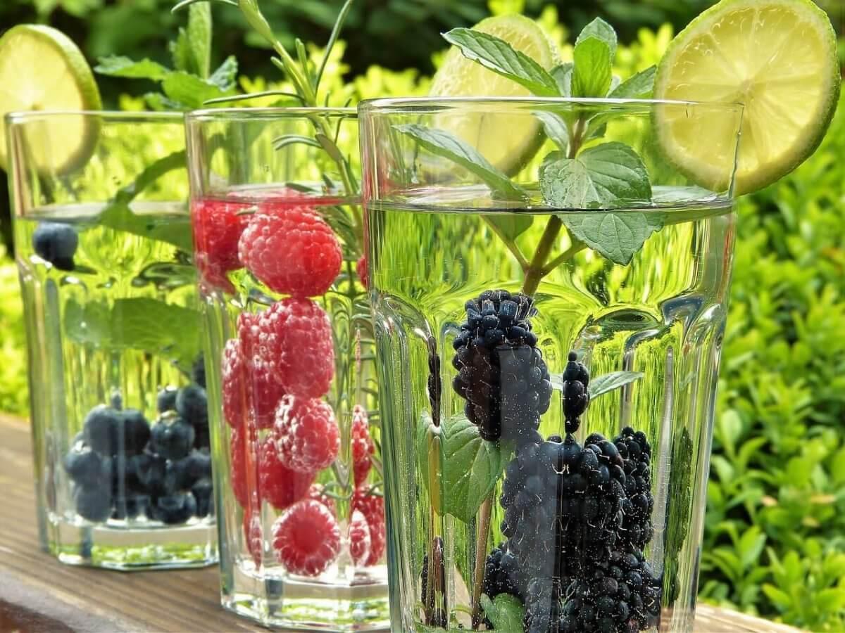 Kühle Getränke helfen gegen die hohen Temperaturen © pixabay