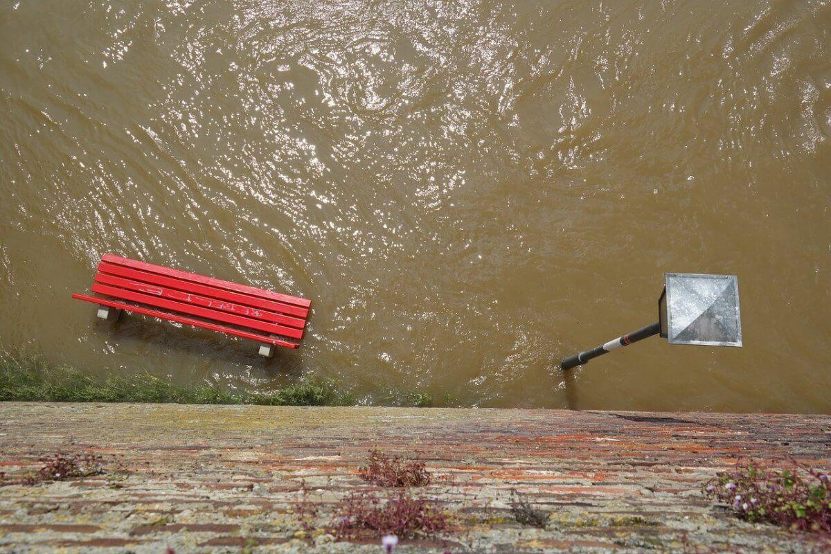 Überflutung durch starken Regen © pixabay