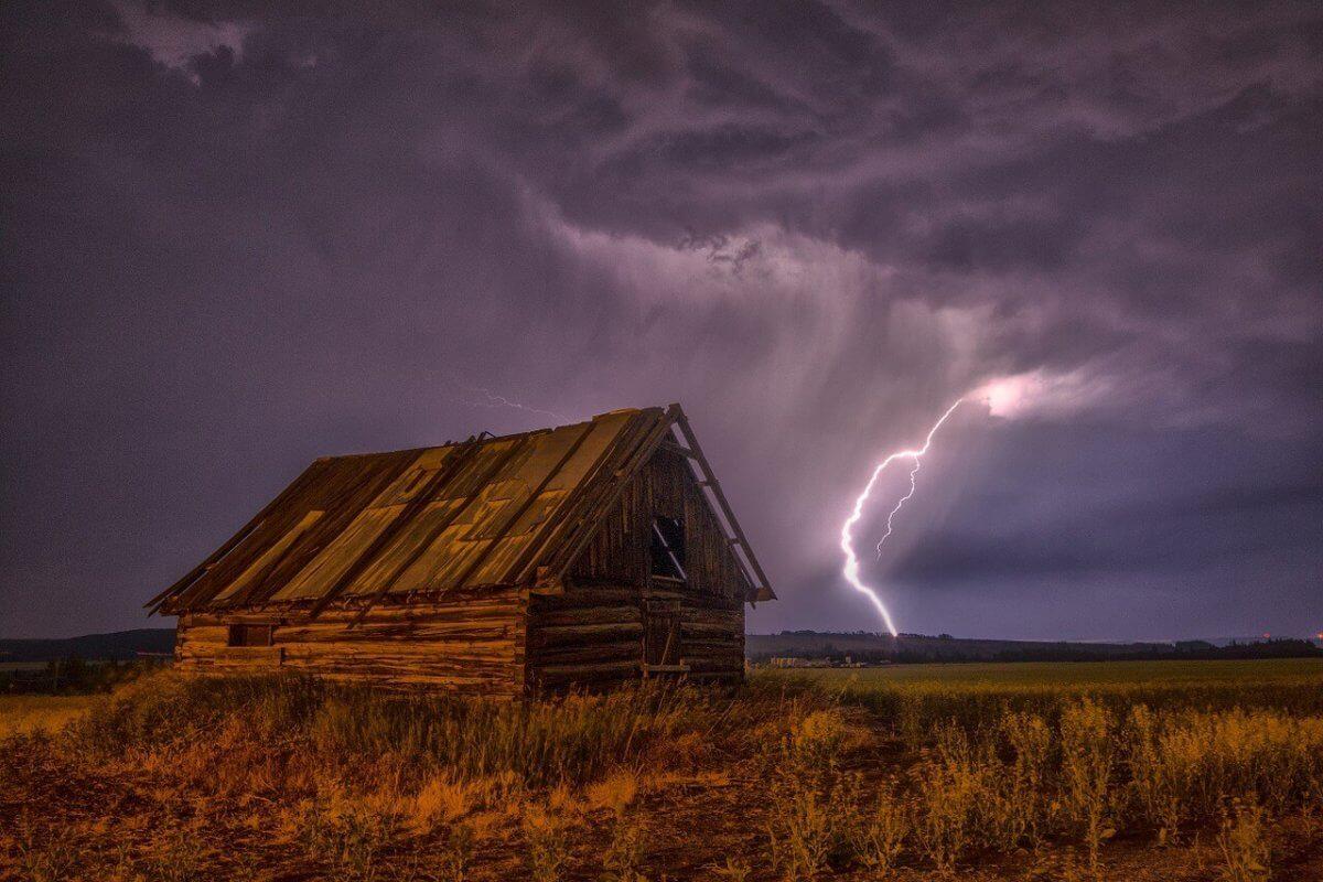 Gewitter mit Blitz.