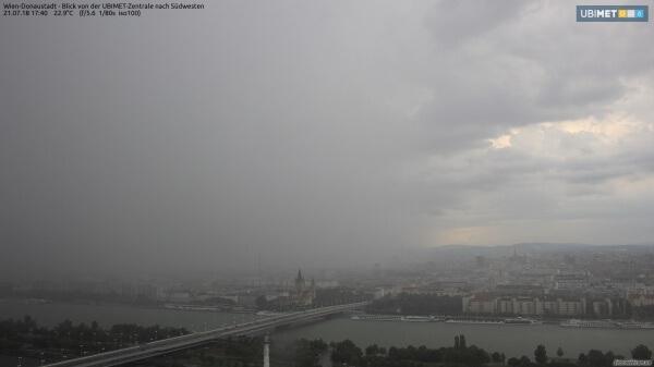 Heftige Gewitter sorgten im Osten für knapp 35.000 Blitze