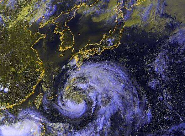 Der tropische Sturm Ampil nimmt Kurs auf Shanghai.