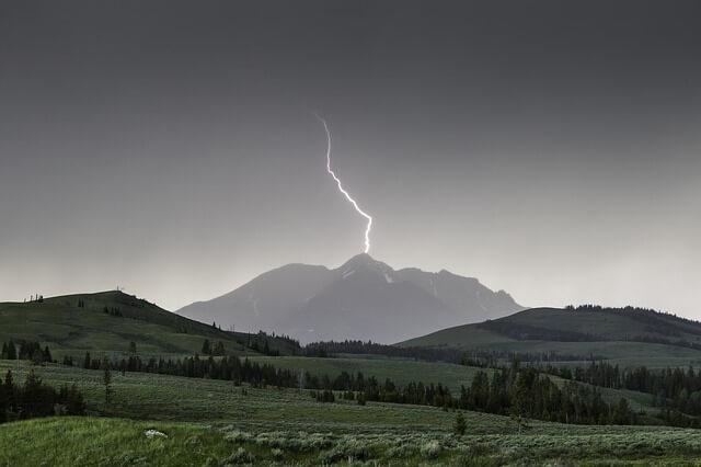 Vorsicht bei Blitz und Donner in den Bergen!
