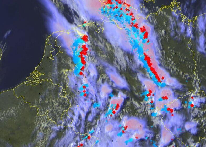 Satellitenbild 17:30 Uhr
