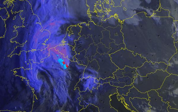 Aktuelles Satellitenbild von 8 Uhr