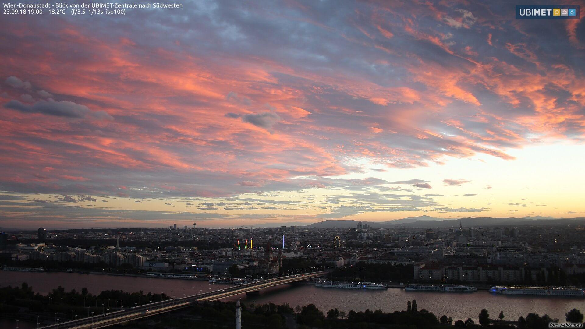 Wolkenstimmung über Wien vor dem Durchzug des Sturmtiefs Fabienne am 23.9.2018