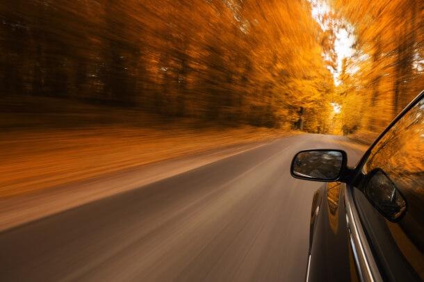 Straßenverhältnisse im Herbst: 5 Herausforderungen für Autofahrer