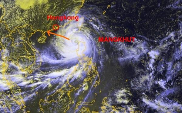 Taifun MANGKHUT im Satellitenbil, gelegen zwischen den Philippinen und Südchina @ JMA, UBIMET