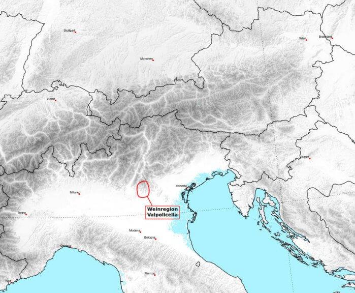 Die Weinregion Valpolicella liegt knapp östlich vom Gardasee und nördlich von Verona.