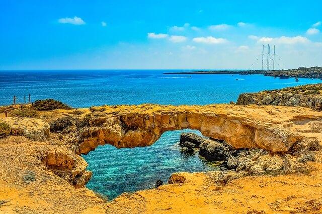 In Zypern hat das Meer noch immer 26 Grad.