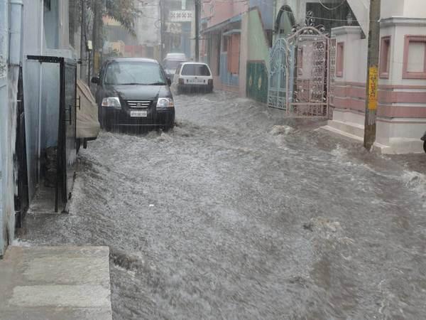 Starkregen in Südkorea sorgt für überflutete Straßen