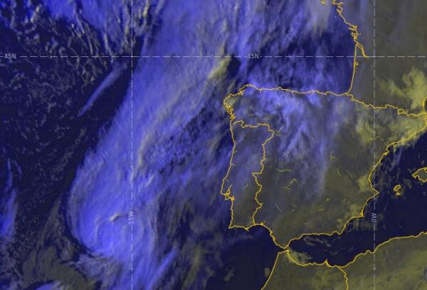 Hurrikan Leslie trifft am Samstag mit Orkanböen bis 160 km/h auf Portugal