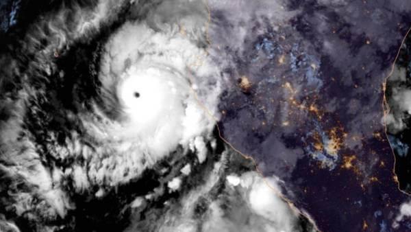 Blick auf Hurrikan WILLA