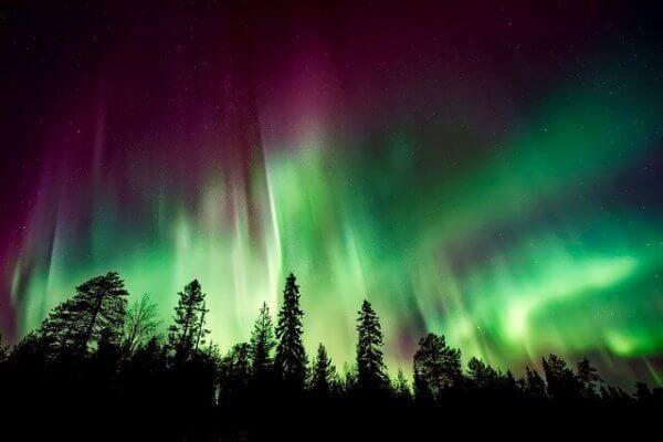 Sonnensturm sorgt für Polarlichter in Nordeuropa.