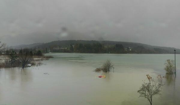Der Presseggersee verzeichnet Hochwasser