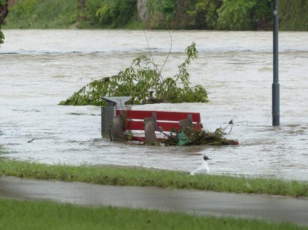 Hochwassergefahr und Föhnsturm