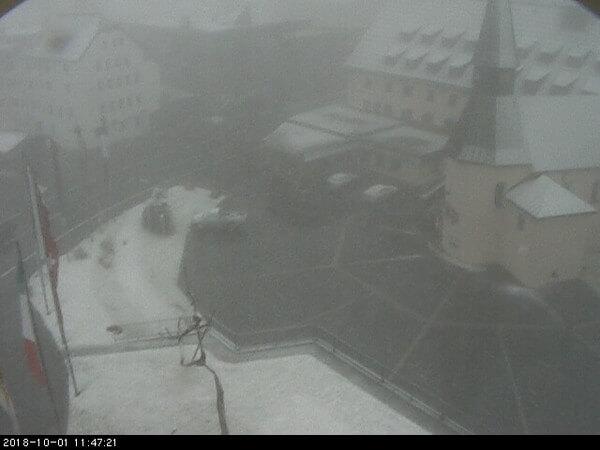 Webcambild vom Arlberghospiz von Montag, 11:47 Uhr @ https://www.arlberg1800resort.at