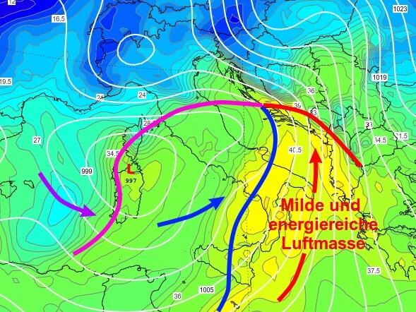 Das Italientief hat sehr feuchte Luft und energiereiche Luft nach Süditalien geführt