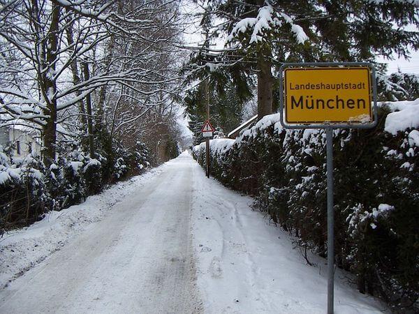 Schnee in der Millionenmetropole München