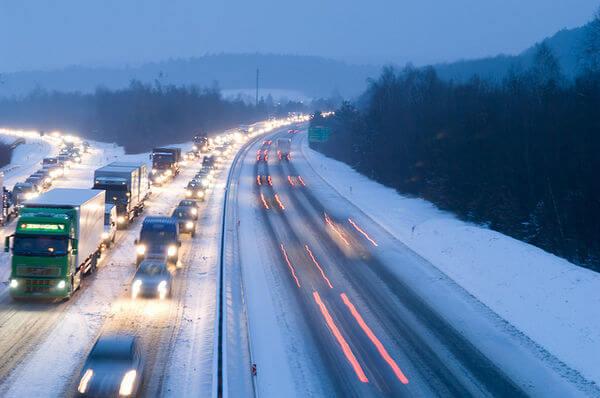 Schneefall im Frühverkehr sorgt für Probleme