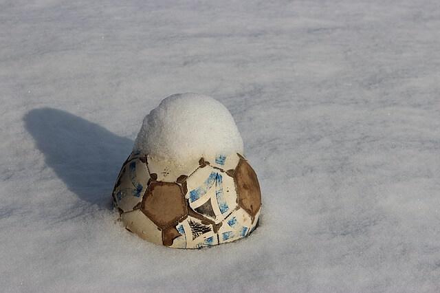 Frostball statt Fußball in Russland