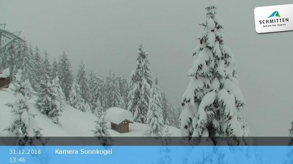 Viel Schnee auf den Bergen im Pinzgau.