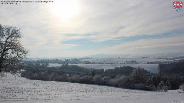 Am Montag bewölkt, in Vorarlberg etwas Regen und Schnee