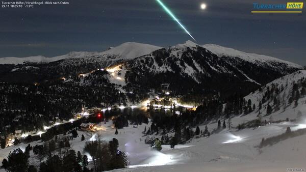 Webcambild von der Turracher Höhe, wo am 29.11.2018 ein Meteorit aufgenommen werden konnte @ https://www.foto-webcam.eu/webcam/turrach-ost