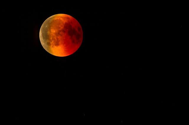Mancherorts wird man den Mond in voller Pracht sehen können.