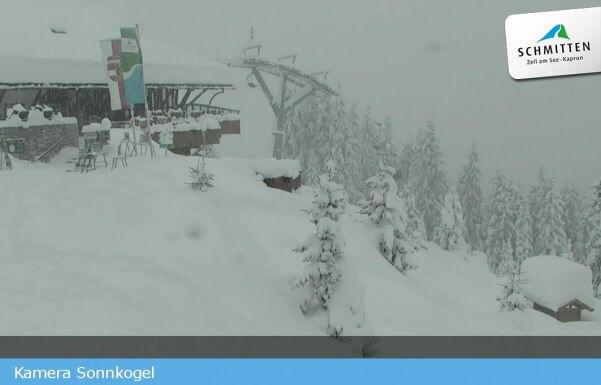 Schneemassen im Skigebiet Schmitten.